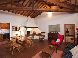 Warm and quiet apartment with view on Volterra, Gambassi Terme