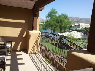 Foothills Luxury Condo - Waterfront Mountain Views, Phoenix