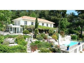 Villa Fleurie - Fully air-conditioned beautiful villa with views to the Med.