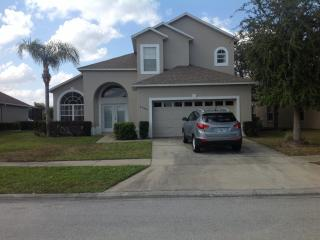 Aster Cove, Cozy Condo with a Jacuzzi and Pool, Kissimmee