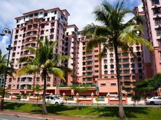 Don's Marina Court Holiday Apartment