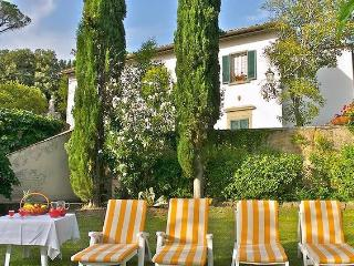 Idyllic Tuscan villa with annexes, outdoor pool an, Cortona