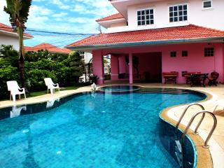 Villa Baan Aage/Large Private Pool, Jomtien Beach