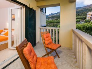 sunny cosy getaway near Split