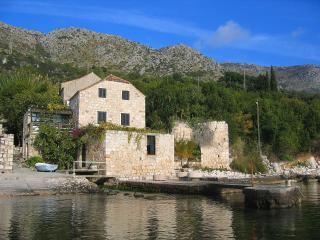 Seadream Dubrovnik, Plat (4+1)
