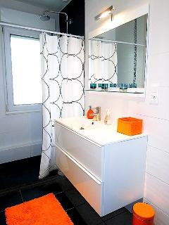 Fully renovated bathroom with washing machine