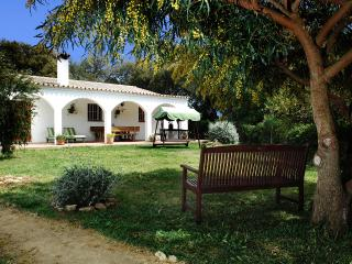 Alcornoque - country villa on finca with shared pool, close to Vejer & beaches