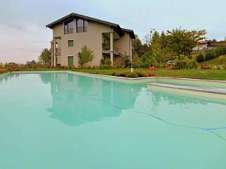 Piantini Villa Sleeps 4 with Pool and Air Con - 5229162