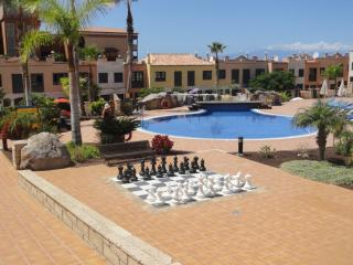 Spacious Townhouse in Adeje Park, Playa del Duque LACA60