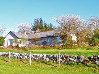 Spacious centrally located holiday cottage, in lovely country, great views, golf