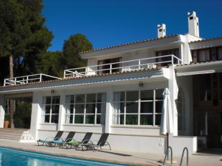 Lujoso chalet con piscina y muy cerca del mar., Cala Millor