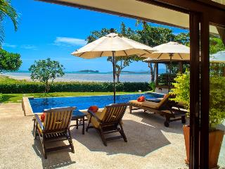 Villa 01 - 2 Bedroom Option on the Beach, Plai Laem