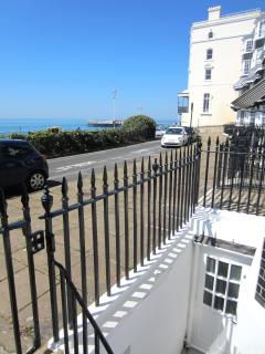 POSITIONED RIGHT ON THE SEAFRONT, A FEW MIN WALK TO THE BEACH