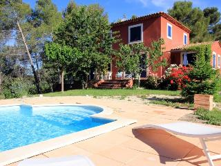 5017 4-Bedroom Provence villa with private pool, Bouches-du-Rhone