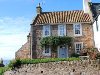 21 Shoregate - stylish seaside cottage in Crail
