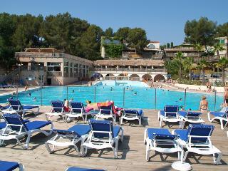 The Pool At Holiday Green