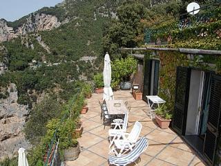 Villa Tecla A, Nocelle