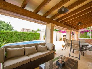 Lujosa casa con piscina y terraza., Cala Millor