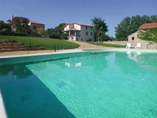 4 bedroom Villa in Beziers, Occitania, France : ref 5247165