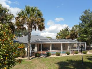 Lakeside Vacation Villa 4668, Inverness