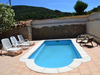 Authentic village house, sleeps 10, private pool, 30 mins to stunning beaches