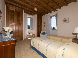 B&B Double/Twin Bedroom with ensuite, Capranica