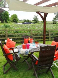 Alfresco dining in garden