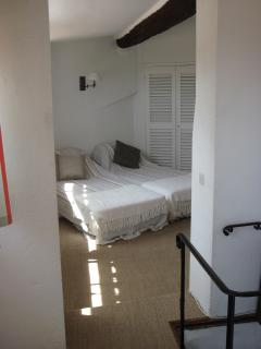 2 single beds in top room, TV, DVD here also