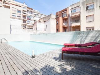 Duplex with Swimming Pool in the City Center for 8