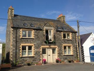 The Bait House, Portpatrick Harbour - Contact Owner Direct To Book