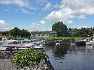 '335- Lough Ree, Glasson', Glassan