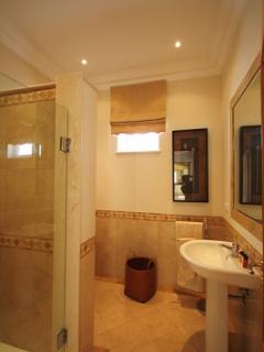 GUEST SHOWER ROOM. VILLA POOL VIEW HAS THREE BATH/SHOWER ROOMS/ TOWELS ARE PROVIDED