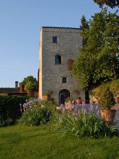 Apartment in the lower part of the Medieval Tower in the Chianti