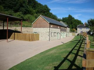 Pitt Farm Cottages Sleeps 2 - 18 in 4 Cottages, Branscombe