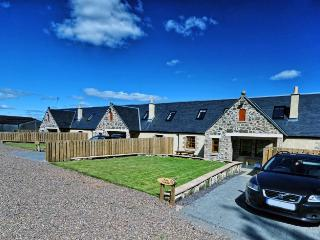 Appletree Cottage with a Hot Tub, Linlithgow