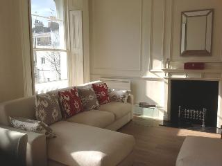 Newly Refurbished, Centrally Located Kensington Ap