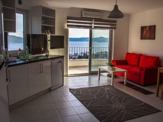 Kasinn Aparts & Suites , Kirmizi /Red   Apart