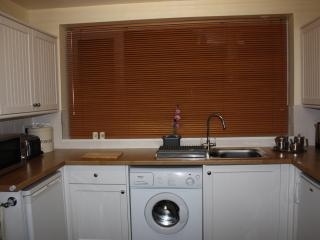 Windermere cottage fully fitted kitchen