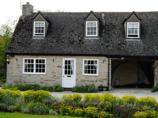 Manor Barn Cottage, Wendlebury near Bicester Village & Oxford
