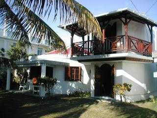 Villa in Pereybere 4/5 minutes walk to one of the best beaches in Mauritius.