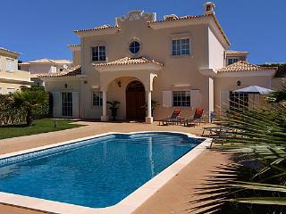 4 bedroom Villa in Vale do Garrao, Faro, Portugal : ref 5480203