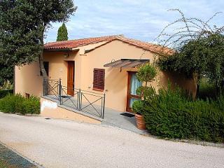 2 bedroom Villa in San Gimignano, Tuscany, Italy : ref 5228599
