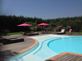 Villa de charme 1km plage- piscine grand et jardin, Olmeto