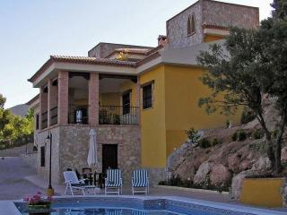Casa de 400 m2 para 6 personas en Villares, Los, Jaén