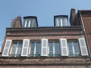 Charming apartment center Honfleur.