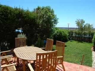 Preciosa casa con jardin con bonitas vistas -LM017