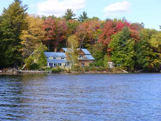 Pvt Home w/200 ft. lake front, dock, boats, yr rnd, Sanbornton