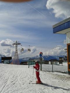 les oeufs qui vous emmene skier sur le domaine des cretes