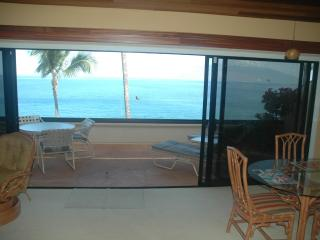 Makena Surf Resort - 5 star 2 BR Oceanfront Condo, Wailea