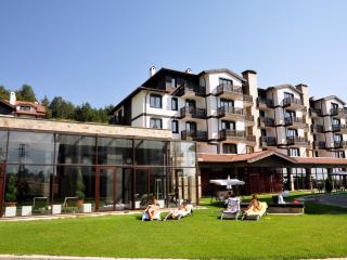 '3 MOUNTAINS' SPA, SKI & GOLF